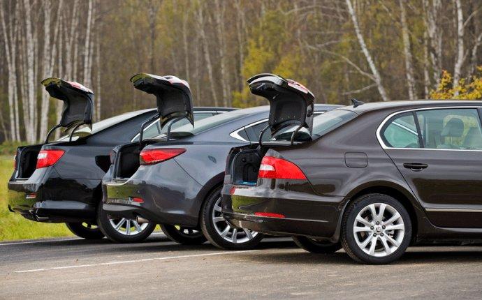 Строим в шеренгу седаны Mazda6, Toyota Camry и Skoda Superb. Тест
